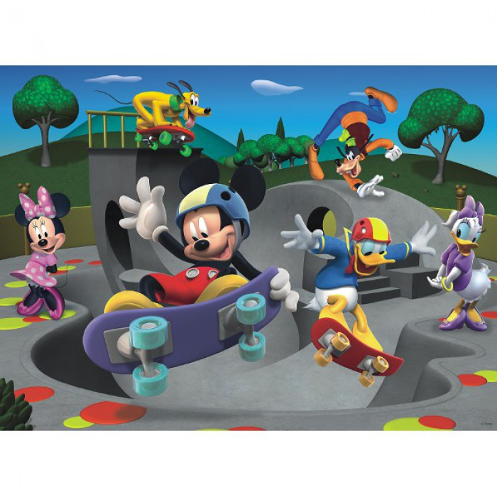 Mickey and his friends are making the skateboard